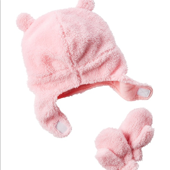 Carter s Other - Carter s baby girl hat and mittens set 12-24m ☃️ c934377b62e2